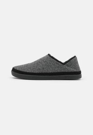 EZRA - Domácí obuv - dark grey