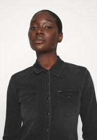 LTB - LUCINDA - Skjorte - black denim - 3