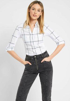 MIT KAROMUSTER - Button-down blouse - weiß