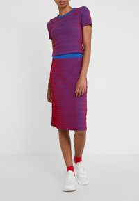 Opening Ceremony - SQUIGGLE SKIRT - A-line skirt - cobalt/cranberry - 0