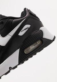 Nike Sportswear - AIR MAX 90 UNISEX - Sneakersy niskie - black/white - 2