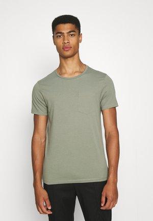 WILLIAMS - Basic T-shirt - sea spray