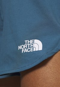 The North Face - WOMENS ACTIVE TRAIL RUN SHORT - Sports shorts - mallard blue - 6
