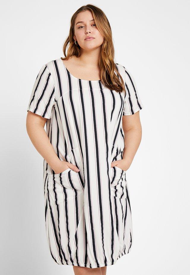 STRIPE POCKET DETAIL DRESS - Day dress - white/blue