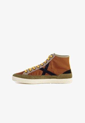 VENTO 12 - Zapatillas altas - marrón