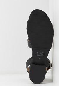 NAE Vegan Shoes - GATRIA - Sandaalit nilkkaremmillä - black - 4