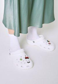 Crocs - JIBBITZ VACATION VIBES UNISEX 5 PACK - Overige accessoires - multi-coloured - 0
