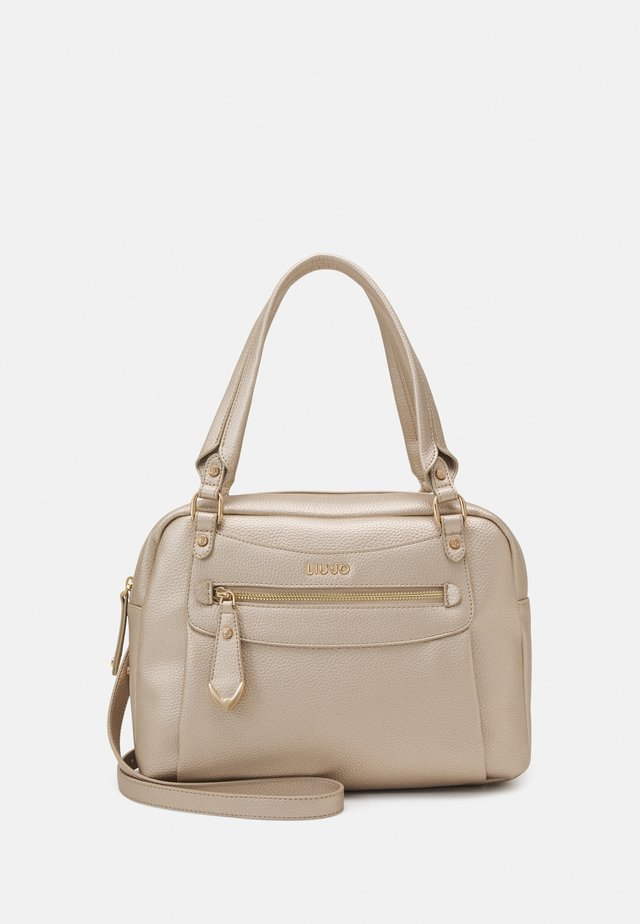 SATCHEL POCKET - Borsa a mano - light gold