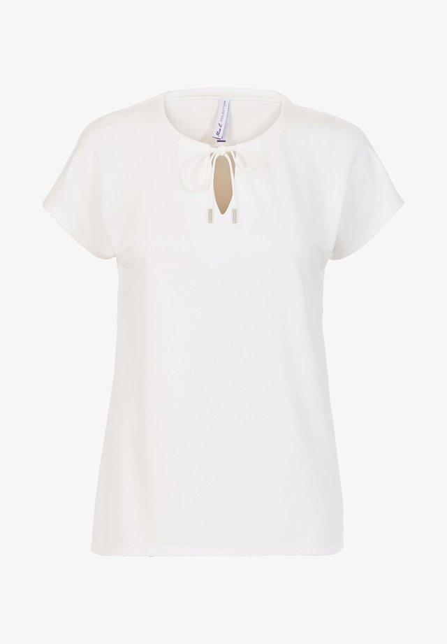 BLOSSY  - Basic T-shirt - off-white