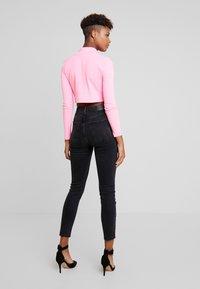 Gina Tricot - ZOEY HIGHWAIST - Jeans Skinny Fit - black/grey - 2