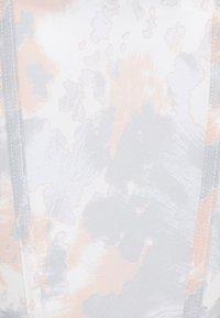 Missguided - COLD SHOULDER CORSET MARBLE - Blusa - pink - 2