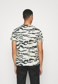 Just Cavalli - T-shirt con stampa - gray variant - 2