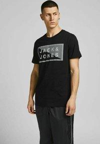 Jack & Jones - 3 PACK - T-shirt print - navy blazer - 3