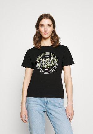 SLIM FLORAL TEE - T-shirt z nadrukiem - black