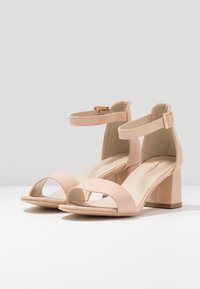 Glamorous Wide Fit - Sandals - nude - 4