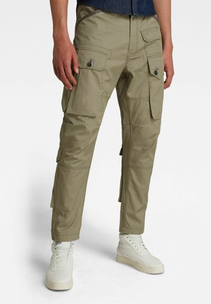 JUNGLE RELAXED TAPERED  - Cargo trousers - shamrock