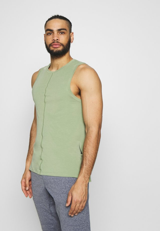 TANK  - Koszulka sportowa - oil green/black