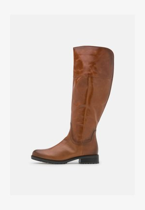 Boots - whisky