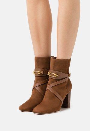 DAFNEY  - Classic ankle boots - cognac
