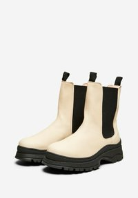 Selected Femme - SLFLUCY - Platform ankle boots - sand - 3