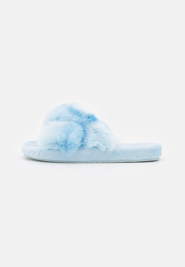 TIE DYE CROSS CHUNKY SLIDER - Hausschuh - blue