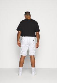 CELIO - ROSLACK - Shorts - blanc - 2
