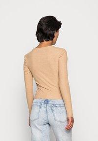 ONLY - ONLNELLA O NECK - Long sleeved top - tannin melange - 2