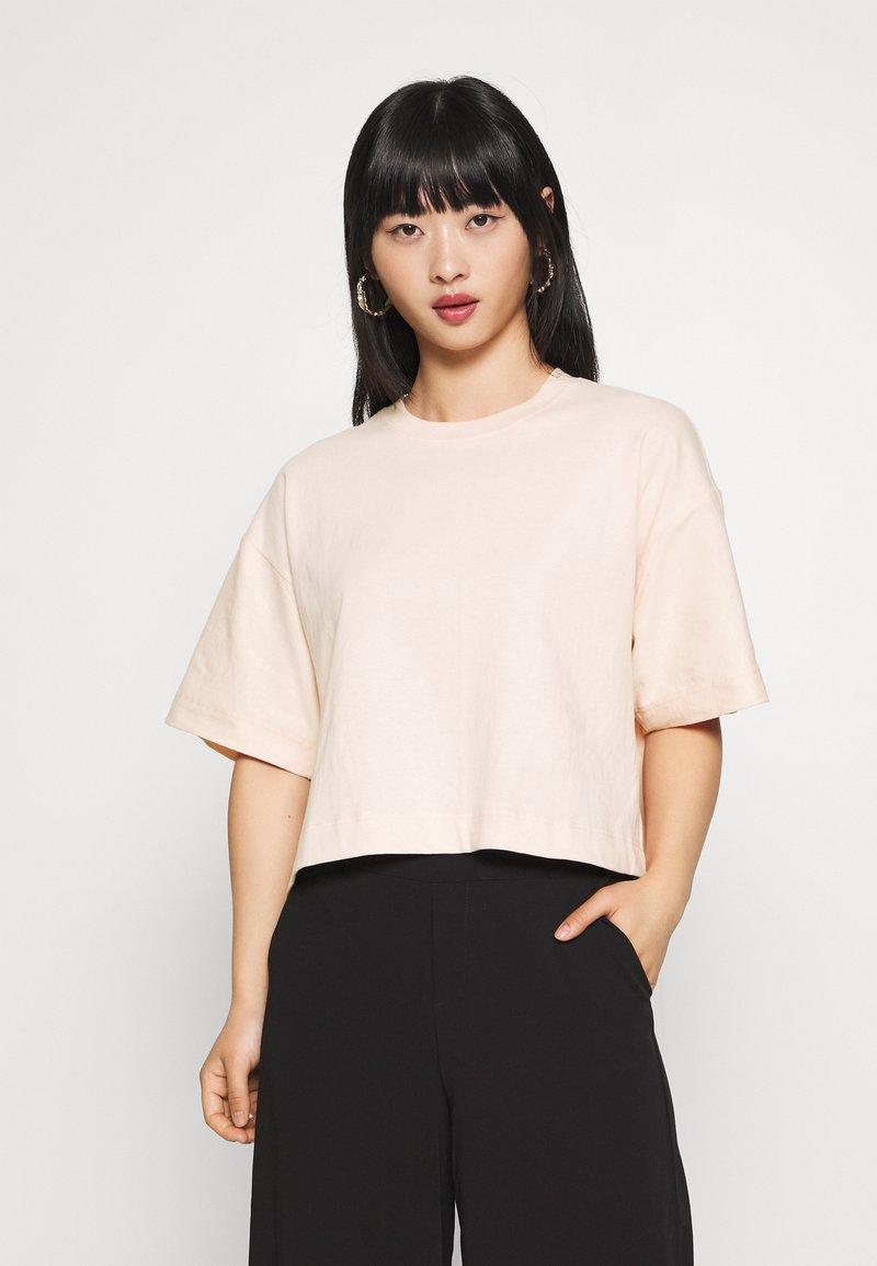 Topshop Petite - PANEL BOXY TEE - Basic T-shirt - pink