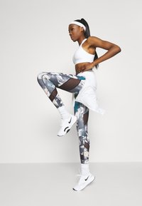 Even&Odd active - Leggings - light blue/multi-coloured - 1