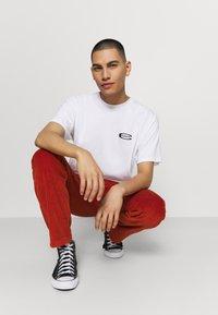 Carhartt WIP - MIRROR  - Print T-shirt - white - 3