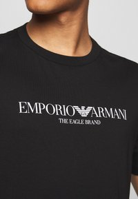 Emporio Armani - EAGLE BRAND - Triko spotiskem - black - 6