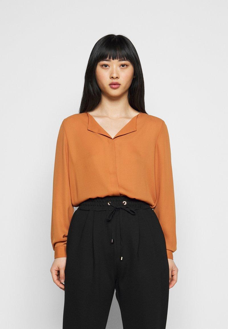 VILA PETITE - VILUCY SHIRT - Button-down blouse - adobe