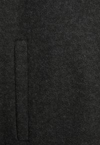 Vero Moda Curve - VMBRUSHEDKATRINE JACKET - Halflange jas - dark grey melange - 5