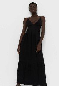 Stradivarius - Maxi šaty - black - 0