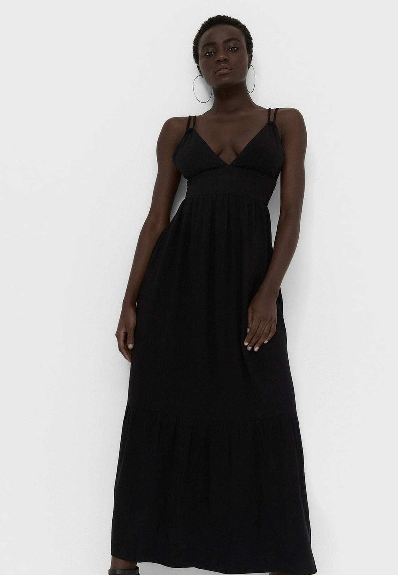 Stradivarius - Maxi šaty - black