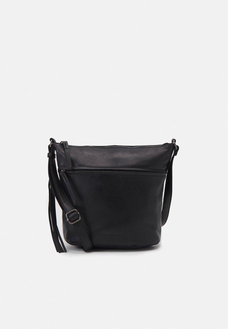 FREDsBRUDER - ZOOM - Across body bag - black