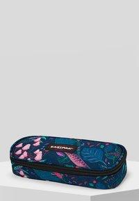 Eastpak - PARADISE GARDEN/AUTHENTIC - Wash bag - blue - 0