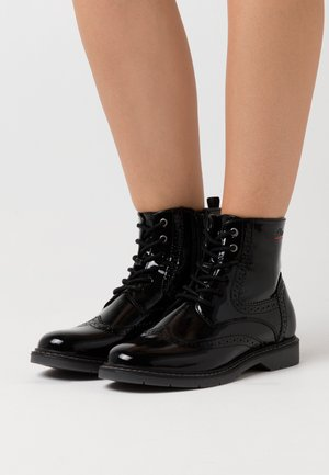 BOOTS - Botki sznurowane - black