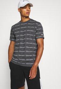 Champion - CREWNECK - T-shirt con stampa - grey - 3