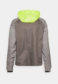 Nike Performance - TRAIL WINDRUNNER  - Veste de running - lemon twist/moon fossil/college grey/bright spruce - 7