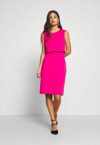 J.CREW PETITE - SPRING SHOWERS DRESS BISTRETCH  - Etui-jurk - soft fuchsia - 1