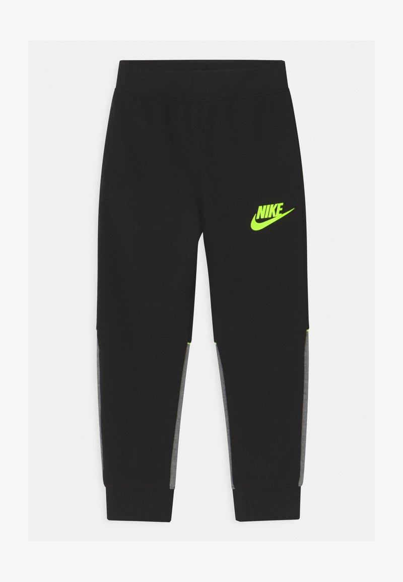 Nike Sportswear - LOGO GRAPHIC - Teplákové kalhoty - black
