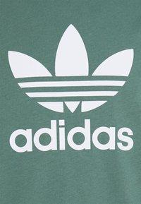 adidas Originals - TREFOIL UNISEX - Print T-shirt - hazy emerald/white - 2