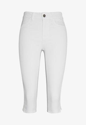JDYNIKKI LIFE MIX - Denim shorts - white