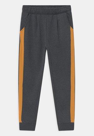 NKFTOBINE - Teplákové kalhoty - dark sapphire/spruce yellow