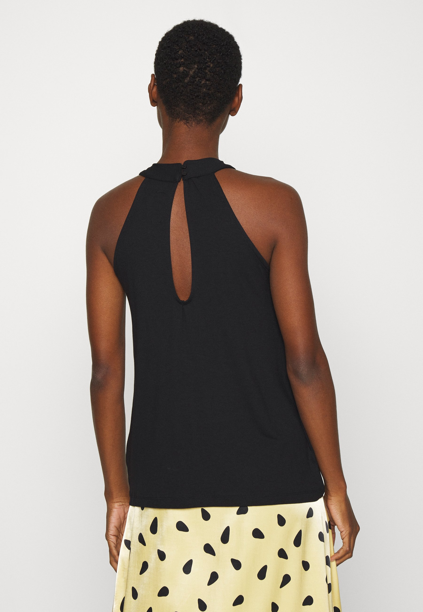 Zign Toppe - black - Damer T-shirts & toppe YhoGP