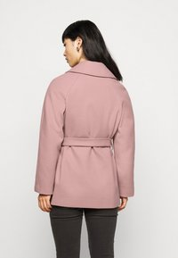 Dorothy Perkins Petite - WRAP - Summer jacket - blush - 2