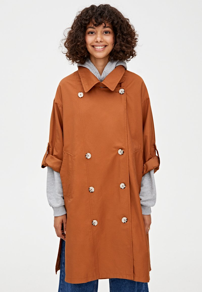 PULL&BEAR - Prochowiec - brown