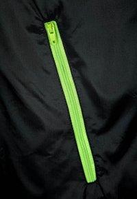 Urban Classics - Light jacket - black/lime green - 2