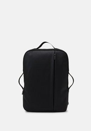 CLASSIC PRO DEVICE BAG VERT - Tagesrucksack - black